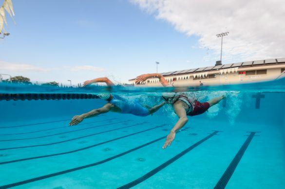 Swimskins und speedsuits